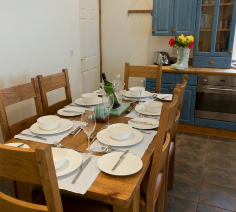 dining area at Cribba Cottage, Port Isaac, Cornwall