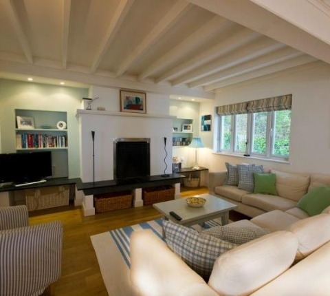 The sitting room at Tomhara, a Rock holiday cottage, Cornwall