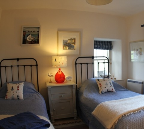 Twin-bedded room at May's Cottage, a holiday cottage, near Port Isaac Cornwall