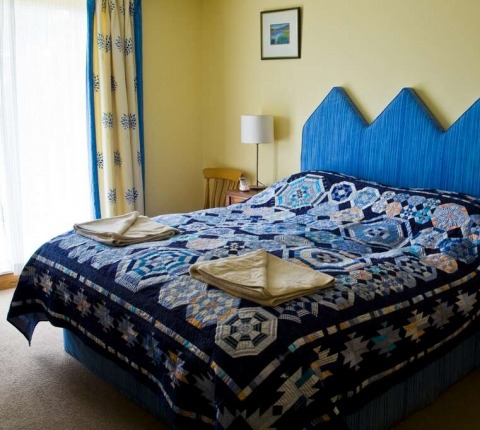 Radoon, The Blue Room, one of two master bedrooms (ensuite)